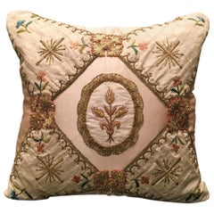 Antique Wheat Medallion Pillow by Eleganza Italiana