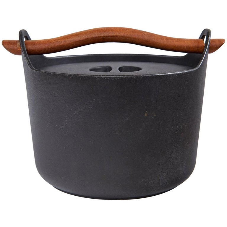 Cast Iron Cooking Pot by Timo Sarpaneva For Sale