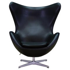 Arne Jacobsen The Egg Chair Elegance Leather Black