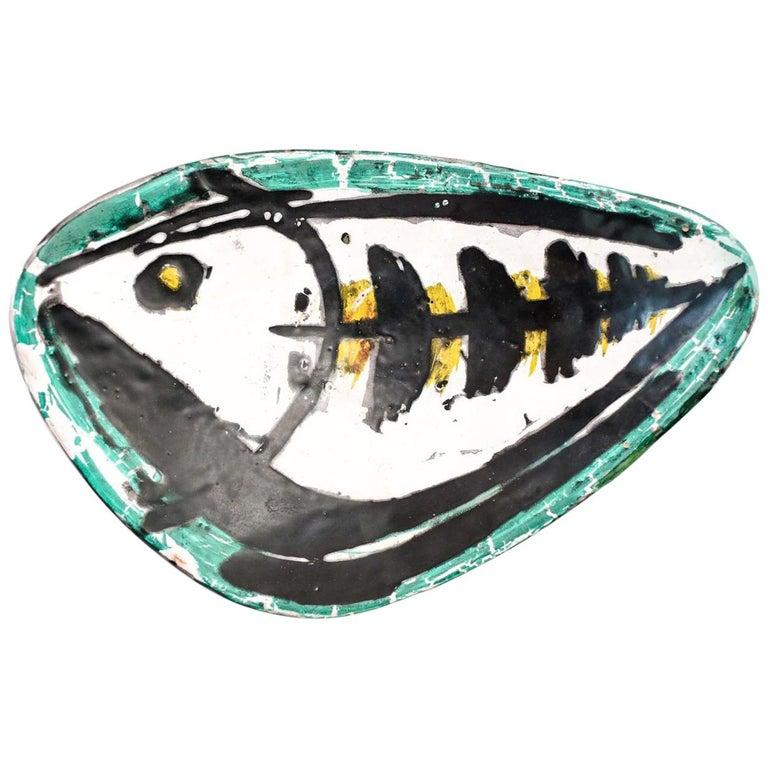 Midcentury Art Pottery Dish with Stylized Fish Decoration by Livia Gorka