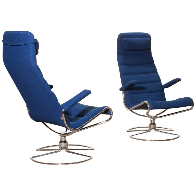 1980s, Chrome Set of Two Royal Blue 'Minister' Swivel Chairs by Bruno Mathsson