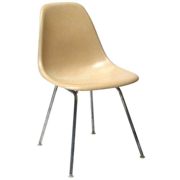 Herman Miller Eames Parchment DSX Fiberglass Shell Chair