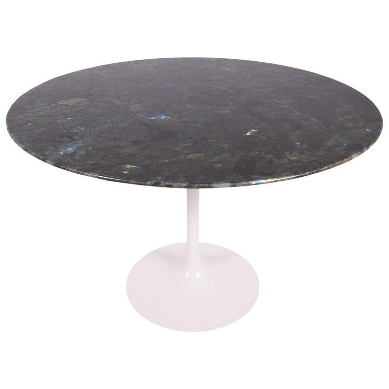 Tulip Table with Brazilian Granite Top by Eero Saarinen for Knoll For Sale