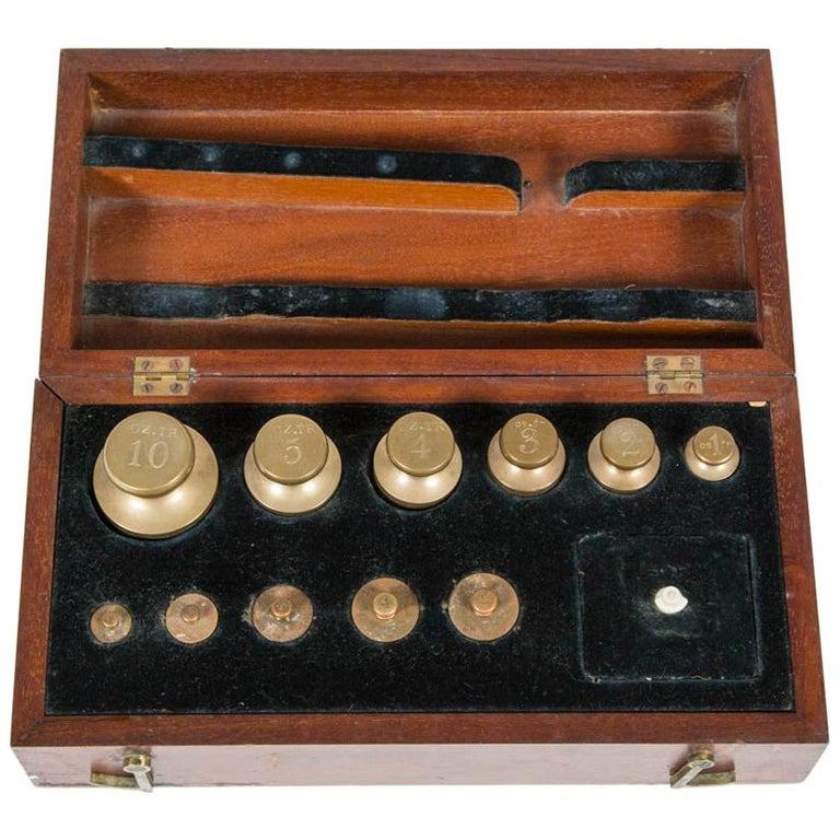 Mahogany Cased Set of 20 Standard Troy Ounce Weights, Dated 1890