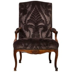 Late 19th Century French Régence Style Walnut Fauteuil in Dark Plum Velvet