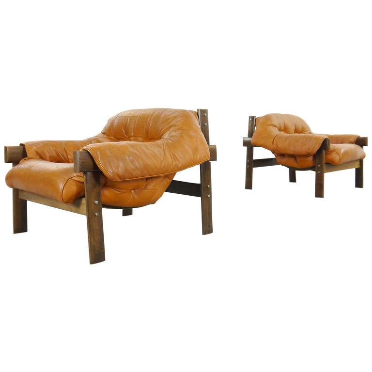 Pair of Brazilian Lounge Chairs MP041, Percival Lafer/Lafer MP in Cognac Leather