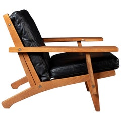 Hans J. Wegner Lounge Easy Chair GE 375, in Black Leather Upholstery by Getama