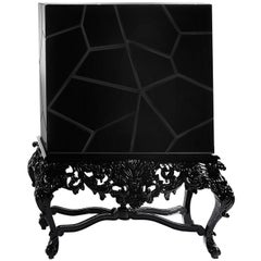 Victoria Cabinet in Lacquered Wood and Glass by Boca do Lobo