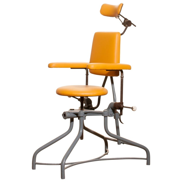 1930s, Steel Medical or Dentist Chair For Sale