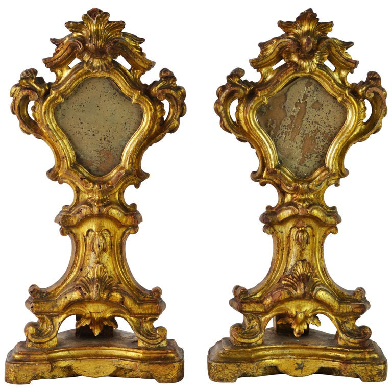 Pair of Mid-19th Century Italian Baroque Style Carved Giltwood Reliquaries For Sale