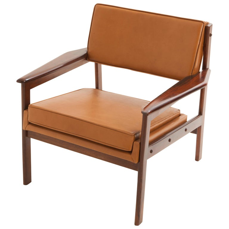 Mid-Century Modern Drummond Chair by Brazilian Designer Sergio Rodrigues