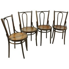 Set of Four Bentwood Chairs in Thonet Stil