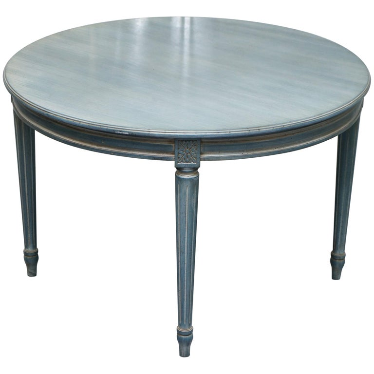 Lovely Vintage Blue Round Dining Occasional Centre Table to Seat Four People For Sale