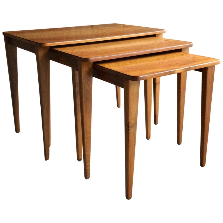 Midcentury Gordon Russell Nest of Tables Set of Three Walnut and Teak, 1950s For Sale