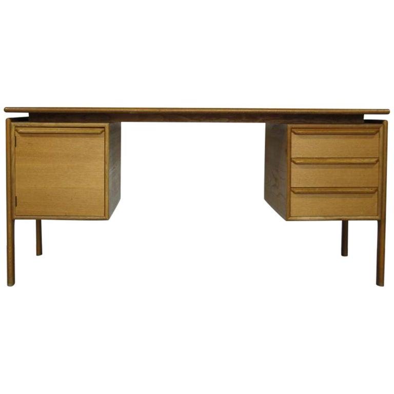GV Gasvig for GV Møbler Oak Desk, Denmark, 1960s