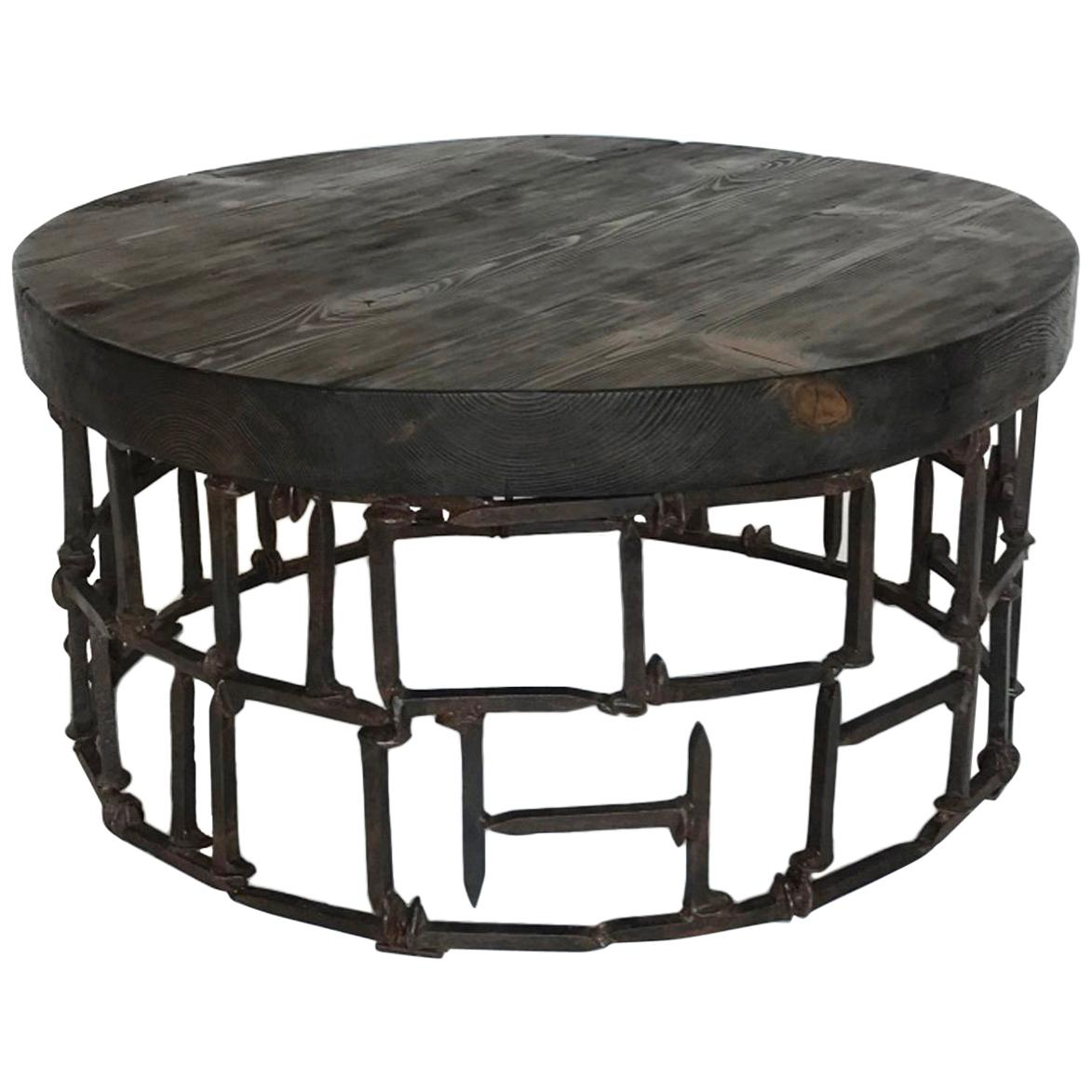 Ordinaire Round Vintage Railroad Spike Coffee Table For Sale