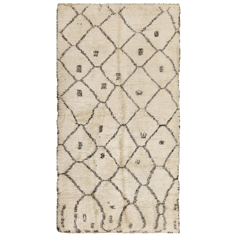 Ivory Background Vintage Moroccan Rug