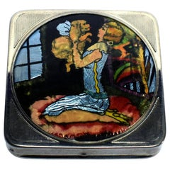 Art Deco Foiled Backed Stratnoid 1930s Art Deco Ladies Powder Compact