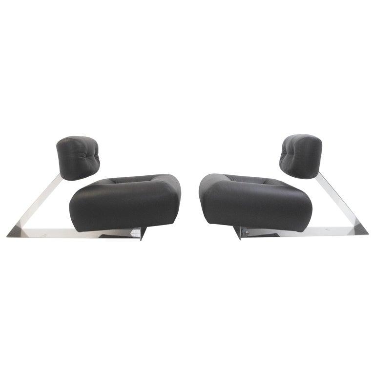 "Pair of Rare ""Aran"" Lounge Chair Oscar Niemeyer"