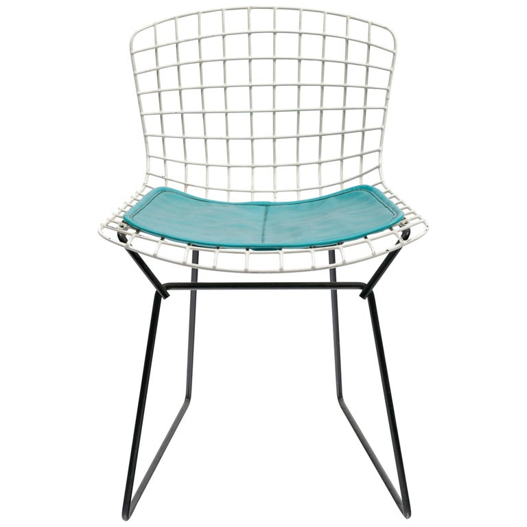 Harry Bertoia Child's Chair in White with Original Knoll Seat Pad, USA, 1960s For Sale