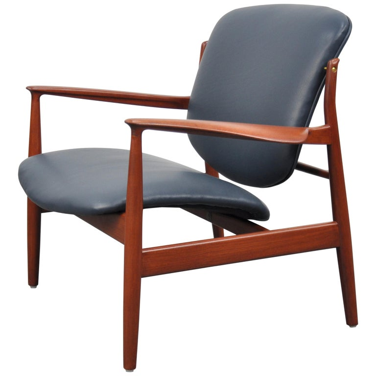 Finn Juhl FD 136 Teak and Navy Blue Leather Lounge Chair For Sale