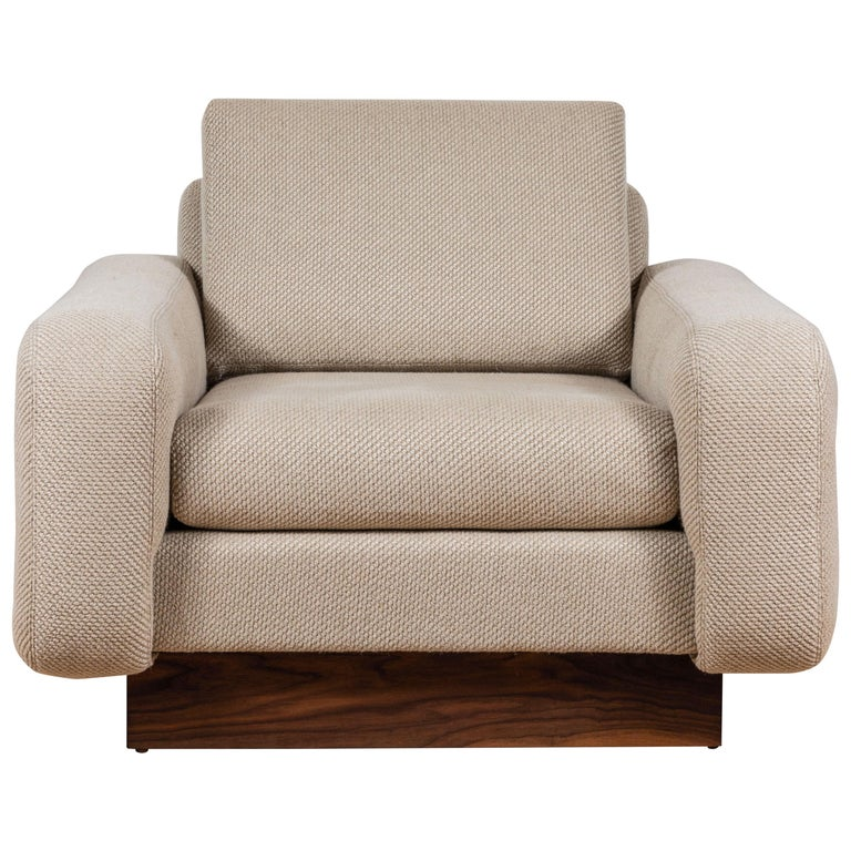 Mesa Lounge Chair by Lawson-Fenning For Sale