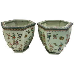 Pair of Chinese Export Famille Verte Hundred Antiques Hexagonal Jardinières