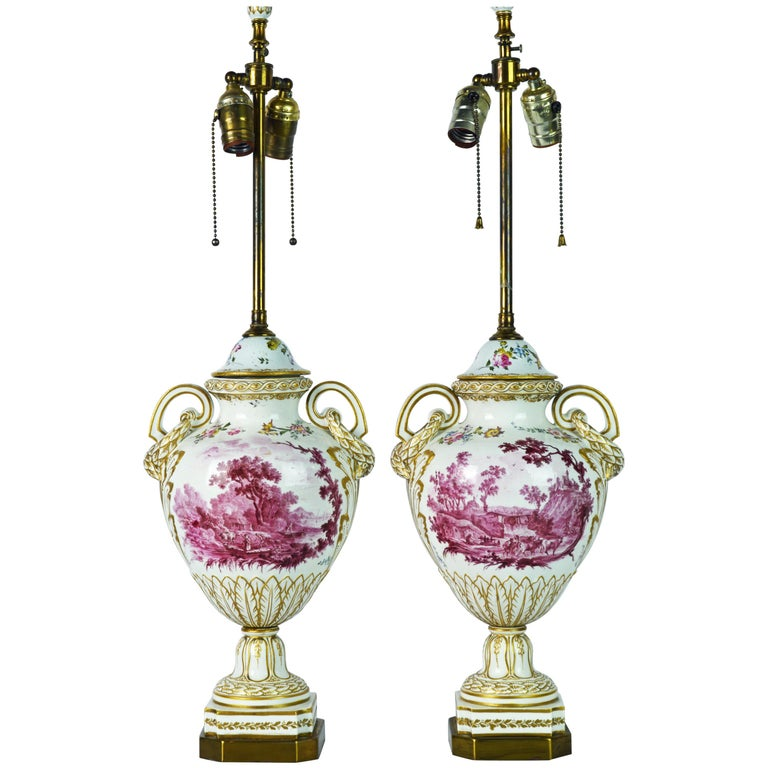 Pair of 19th Century French Old Paris Puce Camaieu Decorated Urns & Table Lamps For Sale