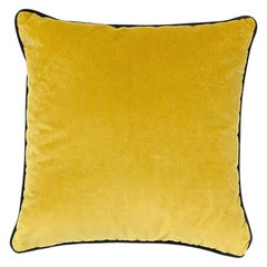 Brabbu Villutus Pillow in Mustard Velvet
