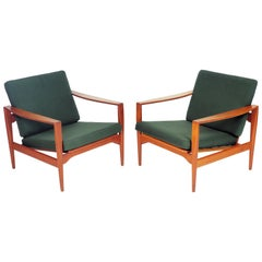 Pair of Lounge Chairs by Illum Wikkelsø, Denmark