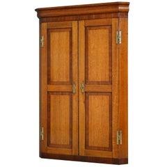 Attractive Victorian Oak Corner Cupboard