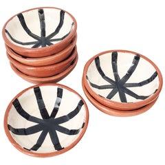 Handgefertigte Keramik Schälchen mit Grafischem Schwarz-Weiß-Design, auf Lager