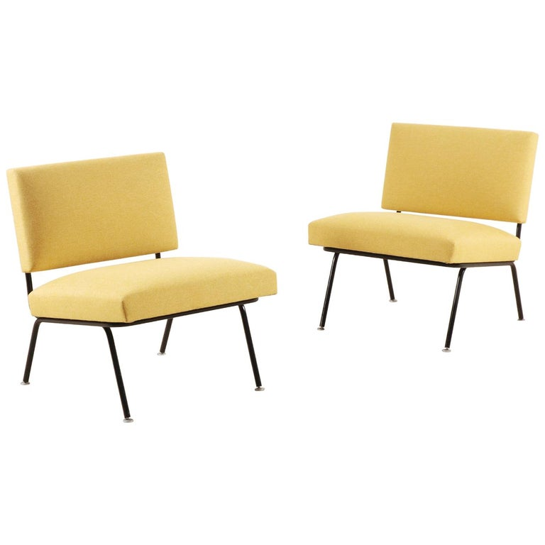 Pair of Florence Knoll Easy Chairs for Knoll International, circa 1955 For Sale