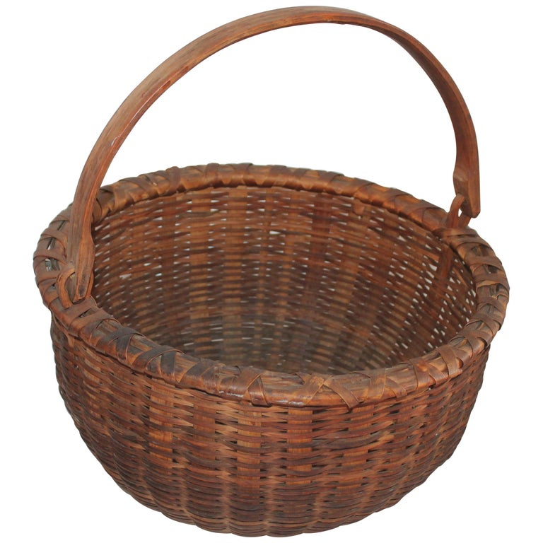 19th Century Shaker Style Swing Handle Basket For Sale
