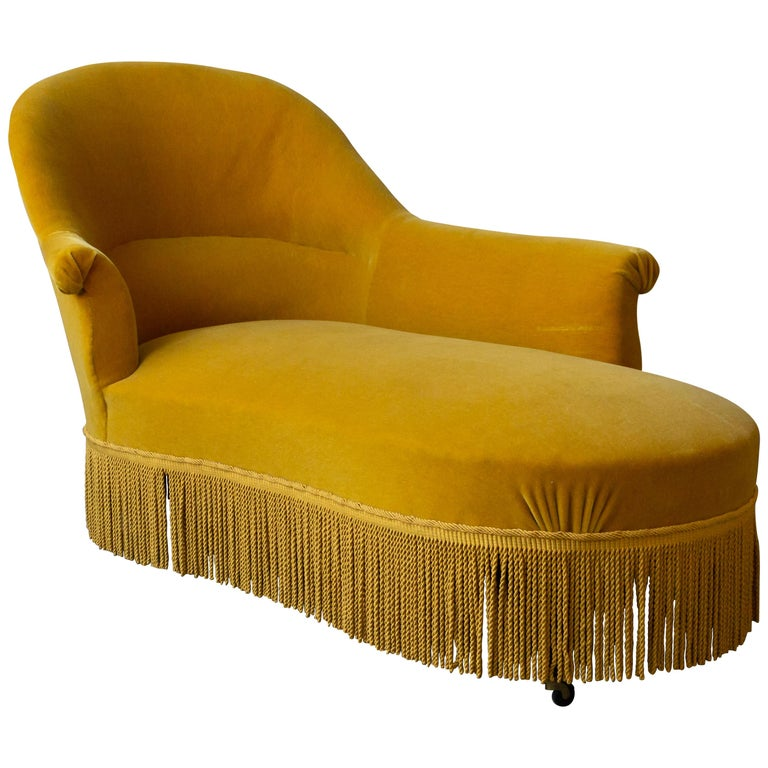 French 19th Century Chaise Longue in Gold Velvet