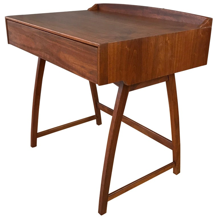 Brown Saltman Mid Century Modern Small Walnut Desk For