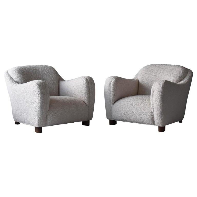 Edoardo Gellner, Lounge Chairs, White Bouclé, Stained Oak, Italy, 1940s