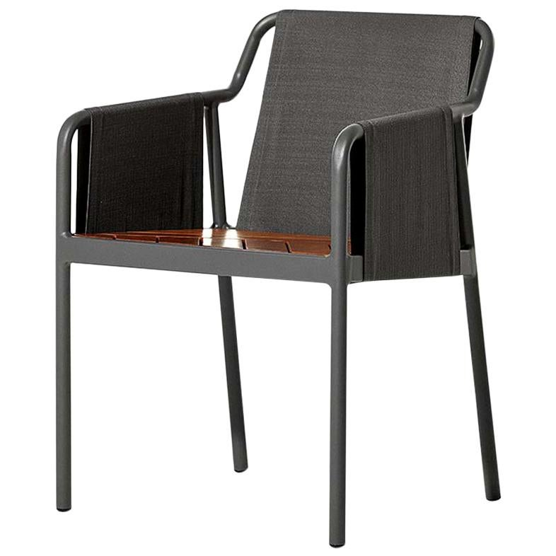 Fantastisch Minimal Style Chairs In Textile, Metal And Solid Wood