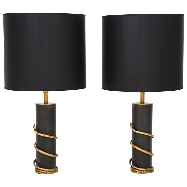 Rare Pair of Tall Italian Black Metal and Brass Snake Lamps, circa 1970 For Sale