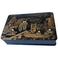 Chinoiserie Polychrome and Gilt Painted Papier-Mâché Box