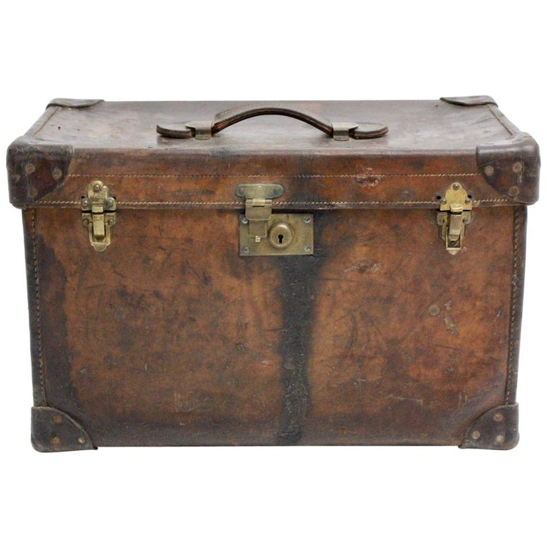 Brown Leather Suitcase circa 1920, Austria For Sale