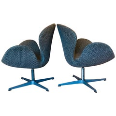 Pair of Vintage Arne Jacobsen 'Swan' Chairs