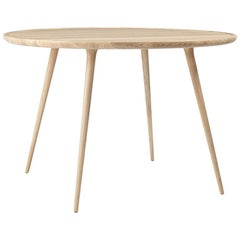 Accent Round Dining Table Oak Matte White Lacquered by Mater Design