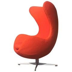 Arne Jacobsen Swivel Egg Chair for Fritz Hansen in Maharam Textile
