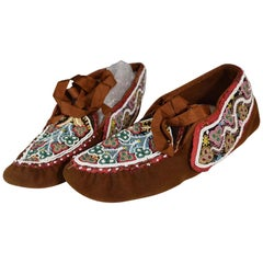 Fine Native American Indian Huron Beaded Moccasins