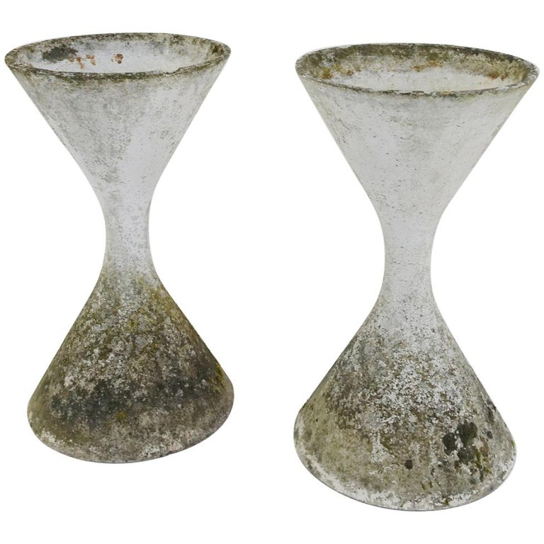 """Pair of French Big """"Diabolo"""" Planters by Willy Guhl"""