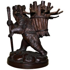 Swiss Brienz Black Forest Hand-Carved Wood Bear Pipe Tobacco Holder Stand