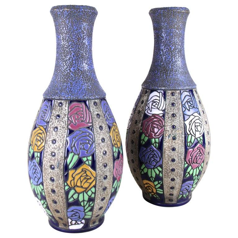 """Pair of Art Nouveau Vases """"Roses"""" by Amphora, CZ, circa 1915"""