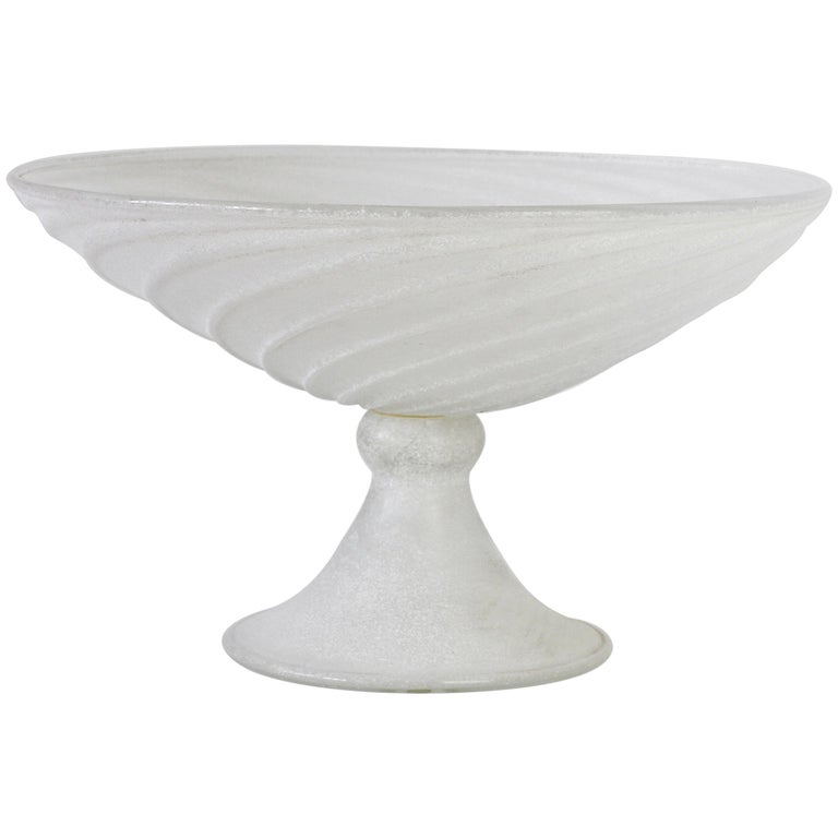 Seguso Vetri d'Arte White Scavo Vintage Murano Glass Bowl Centrepiece, 1980s