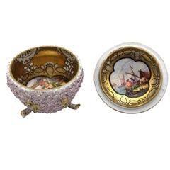 Meissen Porcelain Box in Snowball Decor with Kauffahrteiszenen Scene